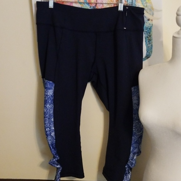 e518d7dbe0b12 CALIA by Carrie Underwood Pants | Calia Workout Cropped Leggings ...
